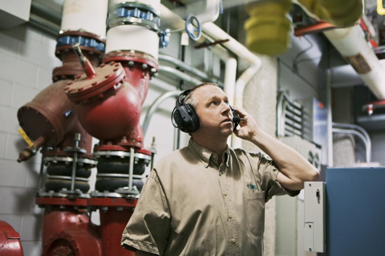 rln6491-operations-critical-wireless-heavy-duty-headset