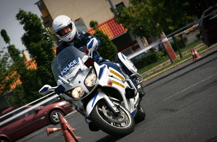 police-officer-480262_960_720